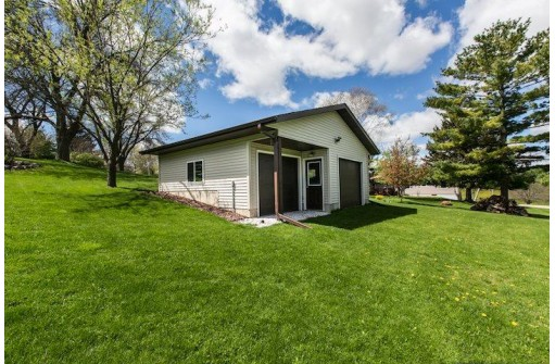 318 Tower Ct, Dodgeville, WI 53533