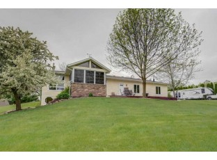 7551 N Orchard View Dr Evansville, WI 53536