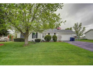 2327 Green Valley Dr Janesville, WI 53546