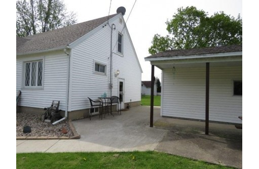 304 W Cherry St, Fox Lake, WI 53933-0000