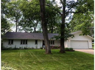 2408 Mayflower Dr Middleton, WI 53562