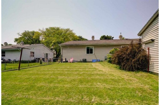 711 Vernon Ave, Madison, WI 53714