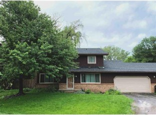 3301 High Rd Middleton, WI 53562