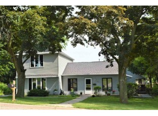 558 E Clay St Whitewater, WI 53190