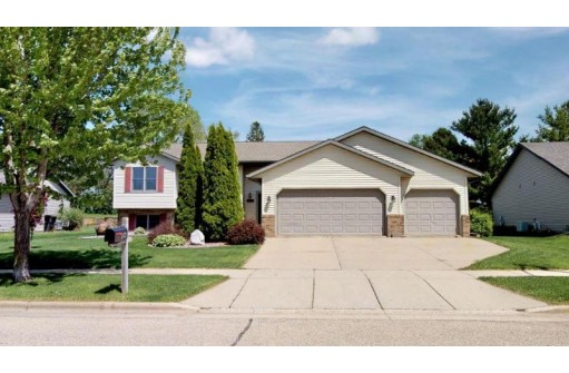 143 S Maple Ln, Whitewater, WI 53190-3872