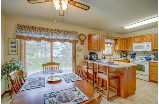 1110-1112 N Gammon Rd, Madison, WI 53717