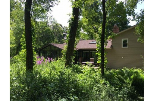2723 County Road Mm, Madison, WI 53711