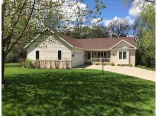 E11081 Wynsong Dr Baraboo, WI 53913-9377