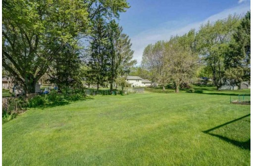 443 Cheryl St, Cottage Grove, WI 53527