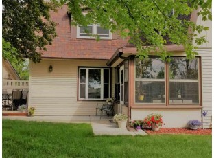 410 Saddle Ridge Portage, WI 53901