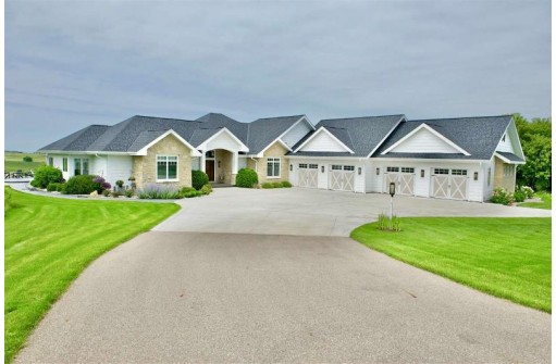 4067 Timber Ln, Cross Plains, WI 53528