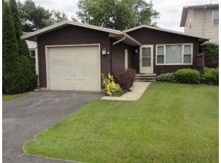 24 Plum Tree Village Beloit, WI 53511-9999