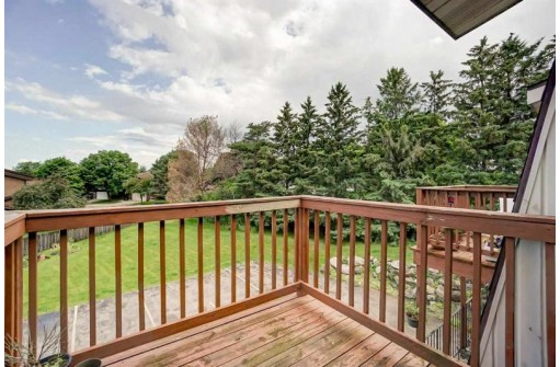 7422 Whitacre Rd 4, Madison, WI 53717