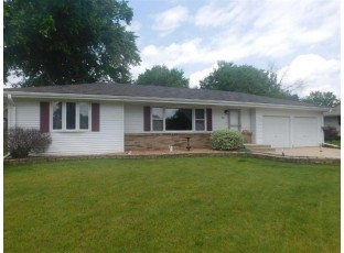 2821 Mohican Rd Janesville, WI 53545