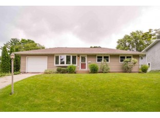 311 Maple Dr Mount Horeb, WI 53572