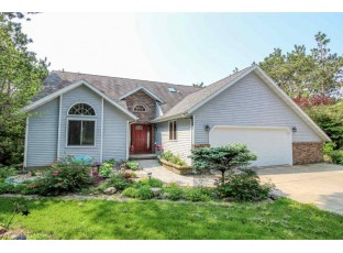 W8871 Deer Run Tr Cambridge, WI 53523-9795