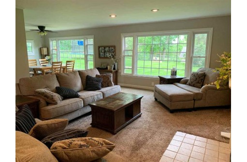 3572 Bee Ln, Beloit, WI 53511