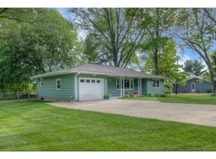 4837 Maple Ave Fitchburg, WI 53711