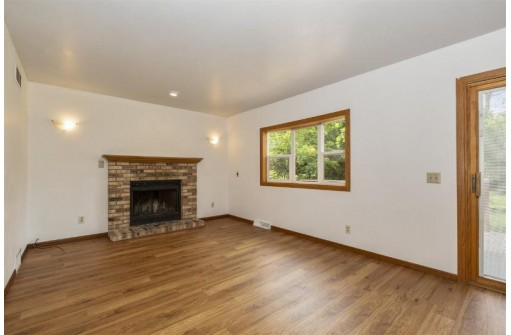 3018 Greenway Tr, Madison, WI 53719