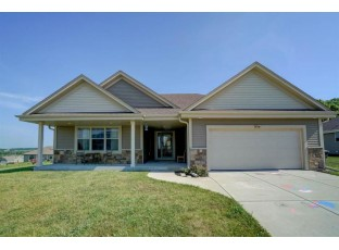 408 Conservancy Dr Johnson Creek, WI 53038