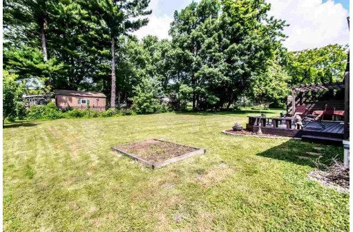 141 Eager Ct, Evansville, WI 53536