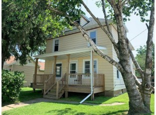 813 Madison St Beaver Dam, WI 53916-2621