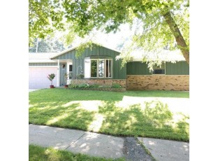 1522 Manor Dr Janesville, WI 53548