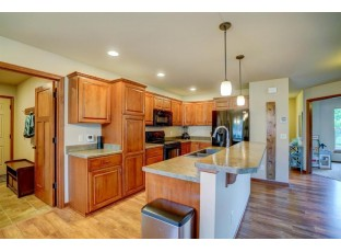 810 Cheshire Castle Way Verona, WI 53593