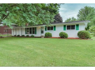1107 Hillview Rd Black Earth, WI 53515