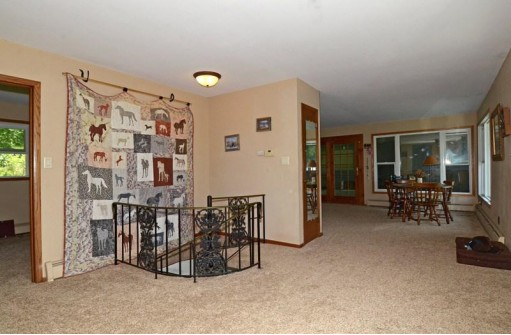 2817 White Crossing Rd, Verona, WI 53593