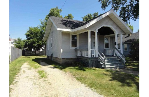 1133 Harvey St, Beloit, WI 53511-9999