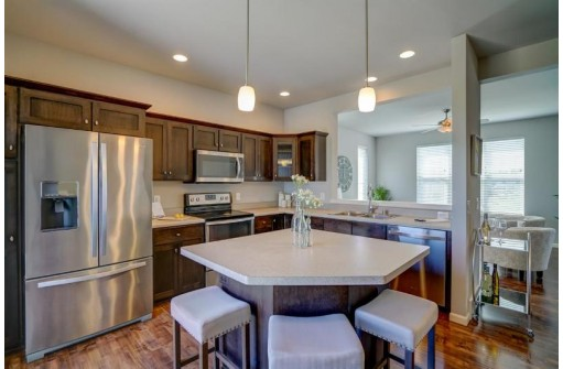 6976 Reston Heights Dr, Madison, WI 53718