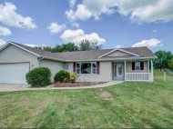 652 E Countryside Dr