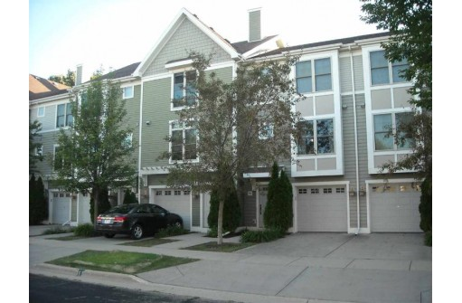 720 Orion Tr, Madison, WI 53718
