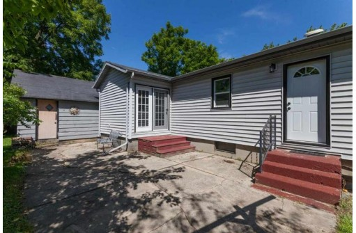 312 Dairyland Ave, Marshall, WI 53559
