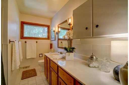 5409 Dover Pl, Madison, WI 53716
