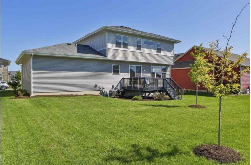 6023 Saturn Dr, Madison, WI 53718