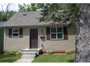 513 Grove St Mauston, WI 53948