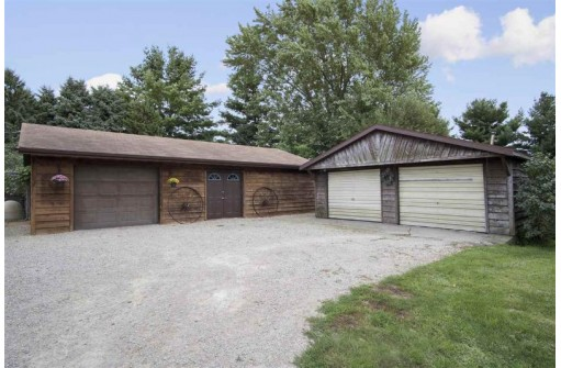 1313 Hwy 19, Marshall, WI 53559