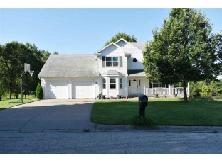 1070 Colleen Ct Platteville, WI 53818