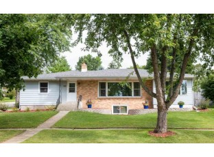 518 10th Ave New Glarus, WI 53574
