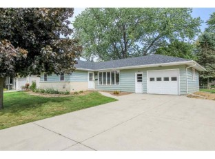 414 Memorial Dr Fort Atkinson, WI 53538-1953