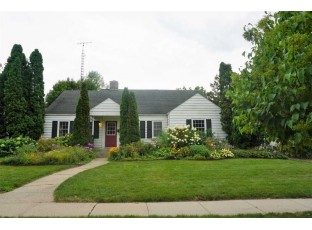 11 S 6th St Fort Atkinson, WI 53538