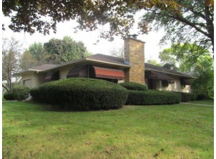 450 Clifden Dr Madison, WI 53711