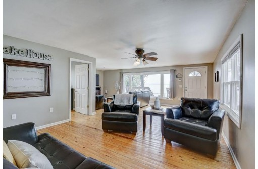W7813 Willow Rd, Fort Atkinson, WI 53538