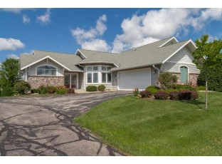 1716 Dewberry Dr Madison, WI 53719