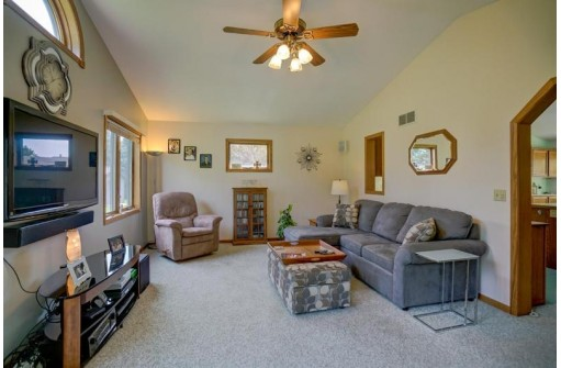 6688 Wendell Way, DeForest, WI 53532