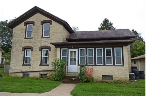 117 William St, Watertown, WI 53094