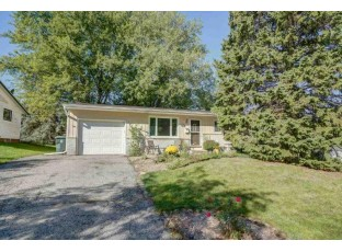1134 Woodvale Dr Madison, WI 53716