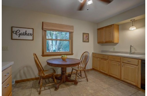 1134 Woodvale Dr, Madison, WI 53716